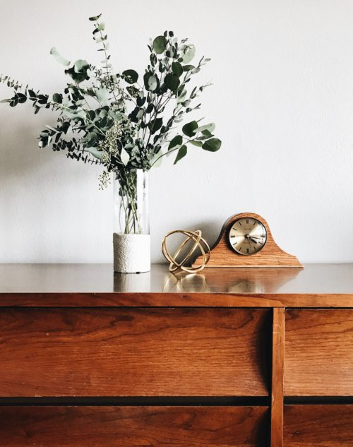 natural flowers desk clock