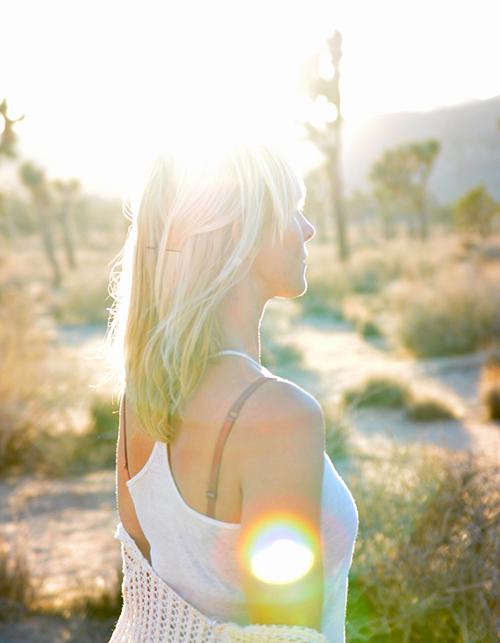 woman meditate desert focus pure awareness